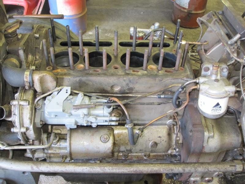 MF 165 DIESEL ENGINE VIEW