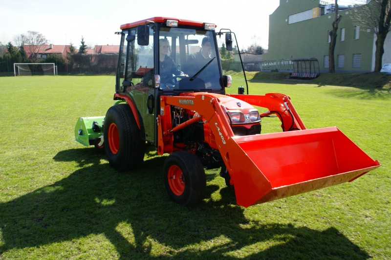 Kubota Tractor Fuel Tank : Kubota b price attachments specs features review images