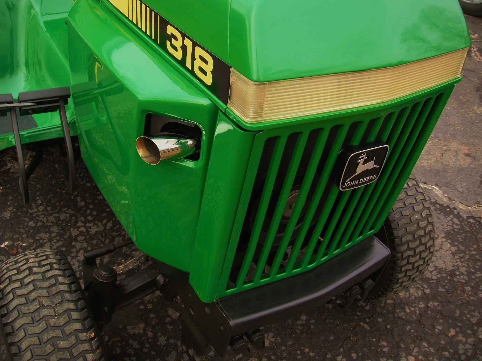 John deere 318 Engine