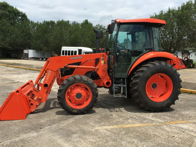 Kubota M6060 Tractor Front Loader Features