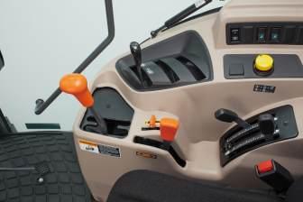 Kubota M6060 tractorTransmission System