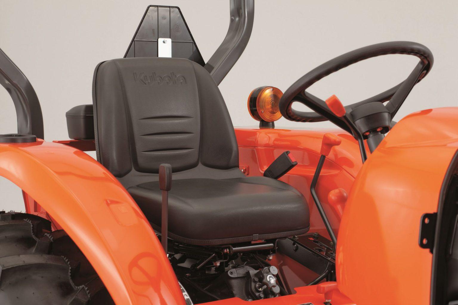 Kubota L3200 Compact Tractor Transmission system