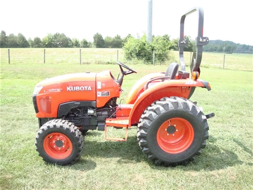 Kubota L3200 Compact Tractor fuel tank kubota l3200 problems kubota engine problems and solutions kubota l3400 wiring diagram at bayanpartner.co