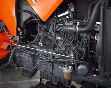 Kubota L5740 tractor engine
