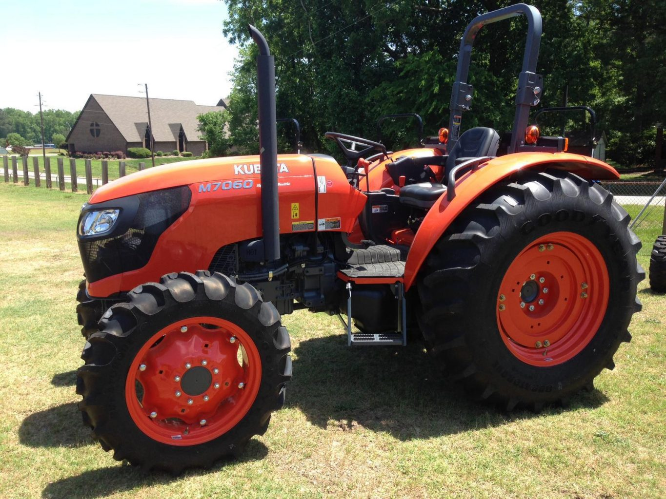Kubota M7060 Review, Price, Specs, Cab features and Images