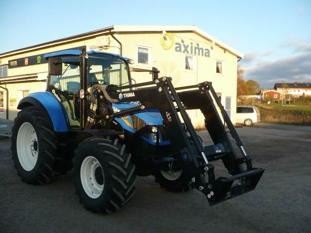 New Holland T5.115 EC tractor Front Loader