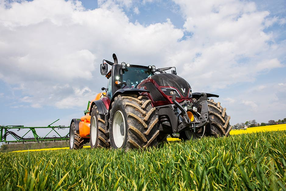 Valtra-Review