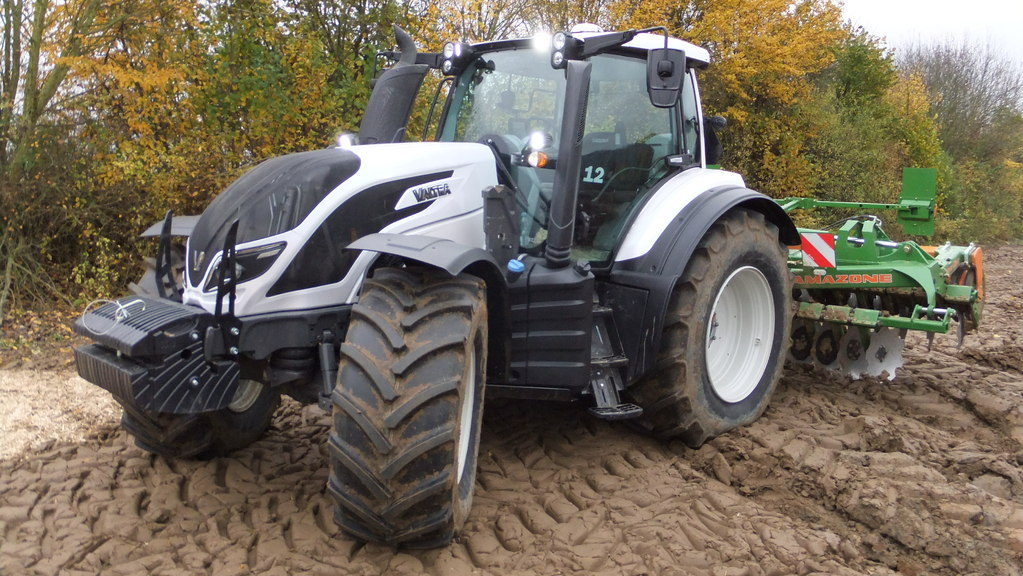 Tractor Chassis Design : Valtra tractor t your working machine price specs