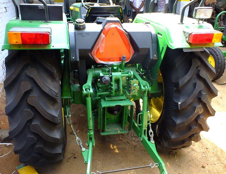 john-deere-5055e-tyres