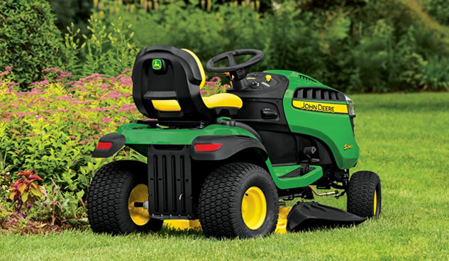 John-Deere-S240-Rear-side
