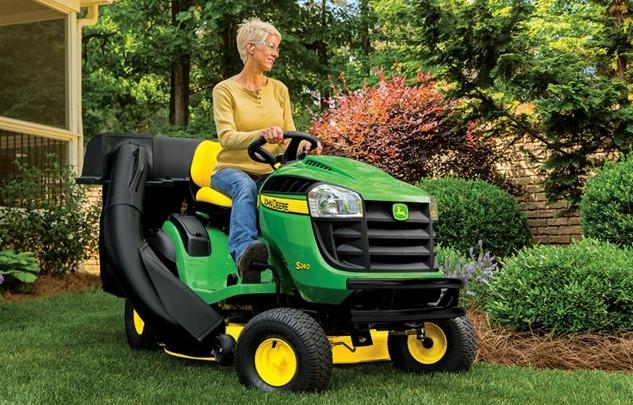 John-Deere-S240-lawn-Mower