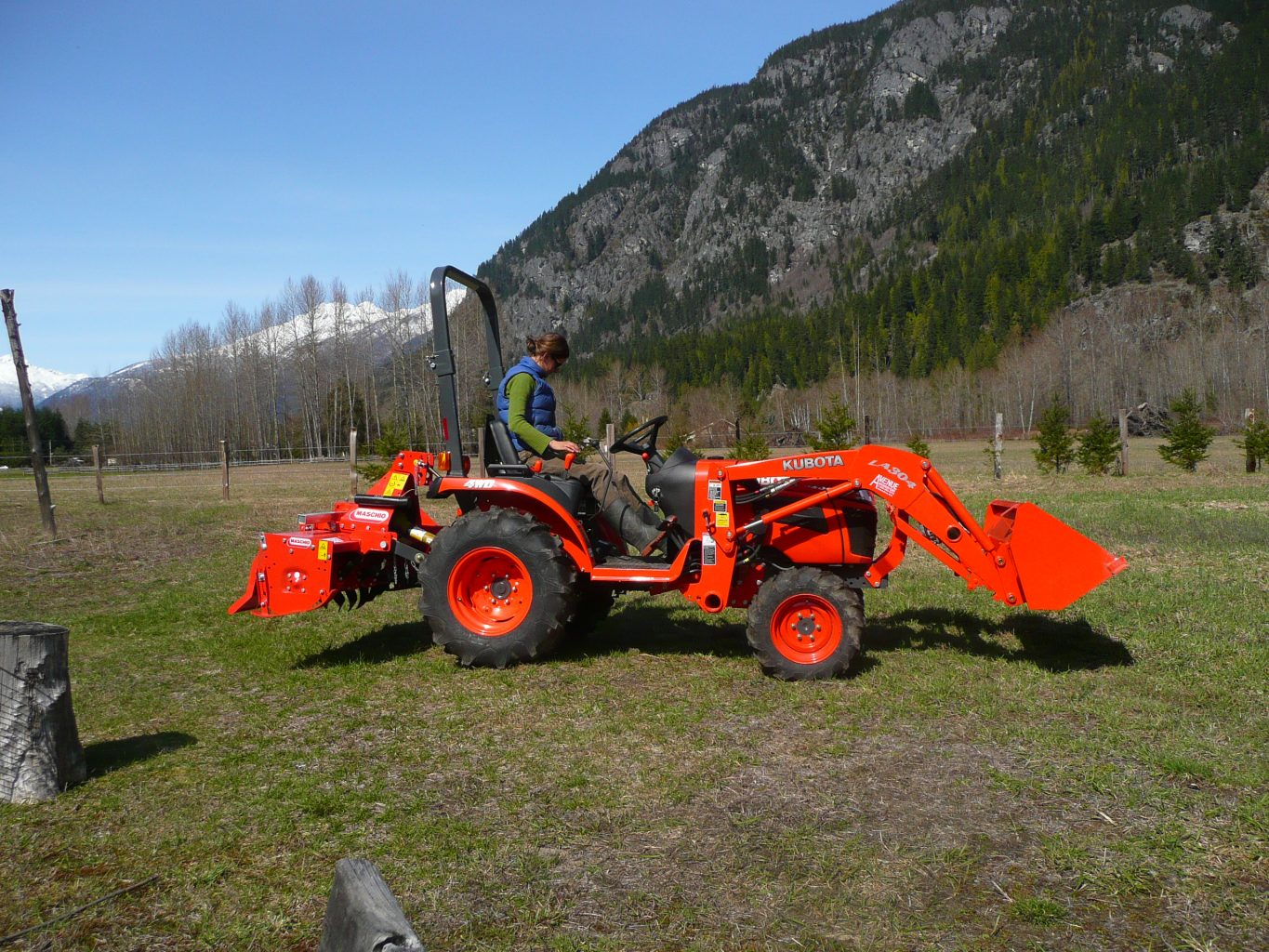 Kubota Tractor Loader Forklift : Kubota b specs price backhoe loader mower and review