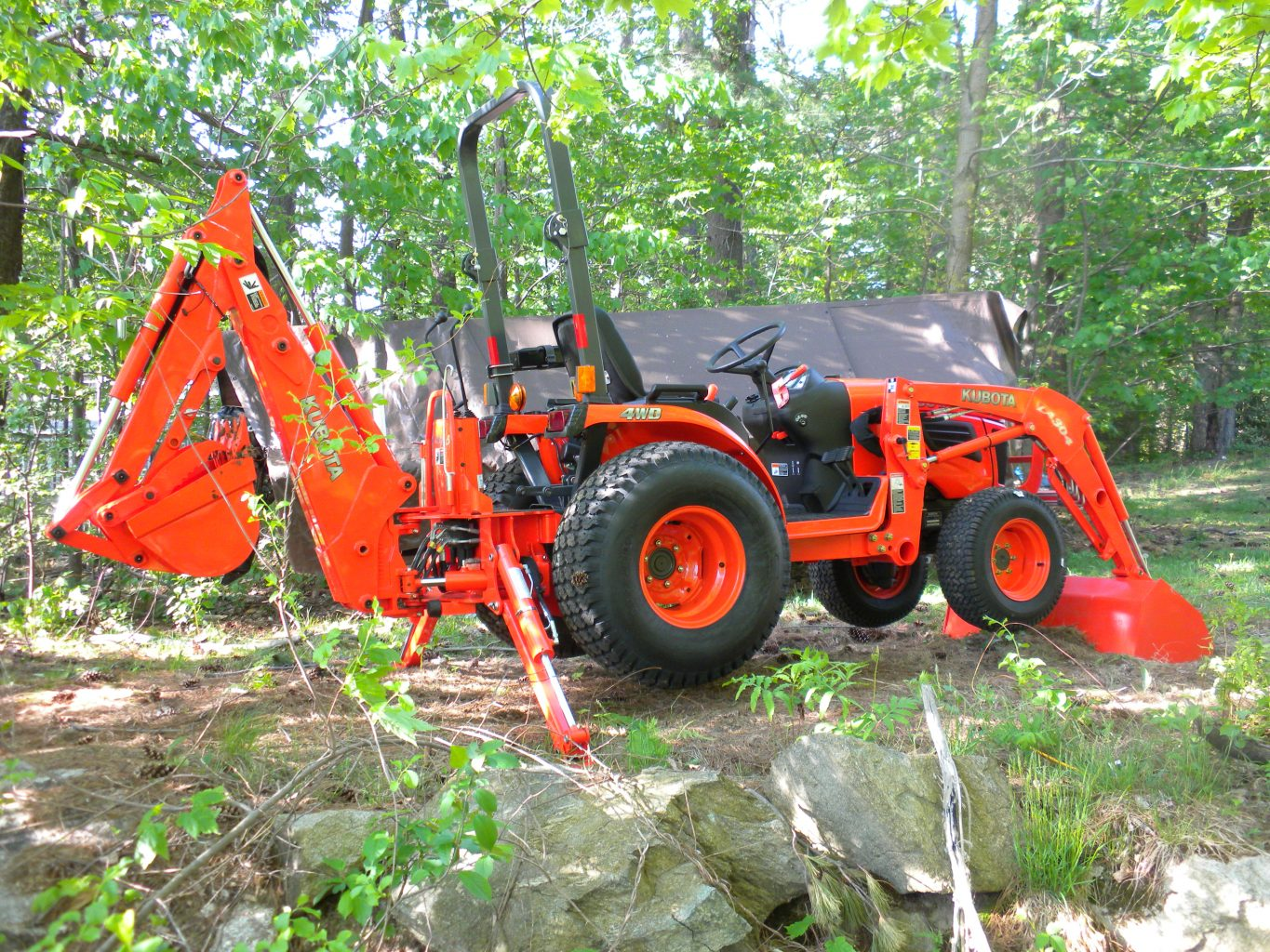 Kubota B2320 full view