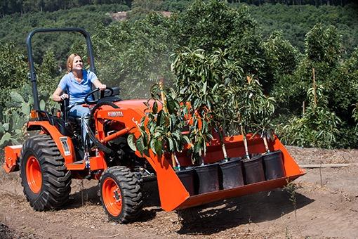 Kubota B2650 compact tractor LA534A Front Loader