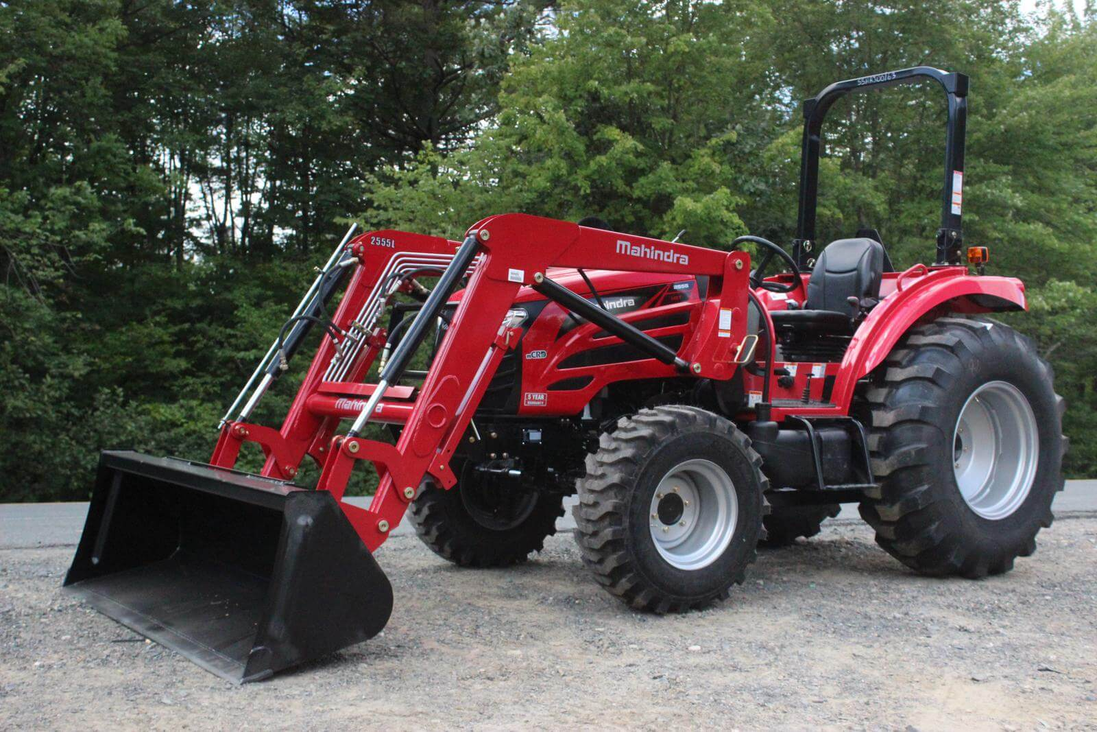 Mahindra 2555 HST Compact Tractor