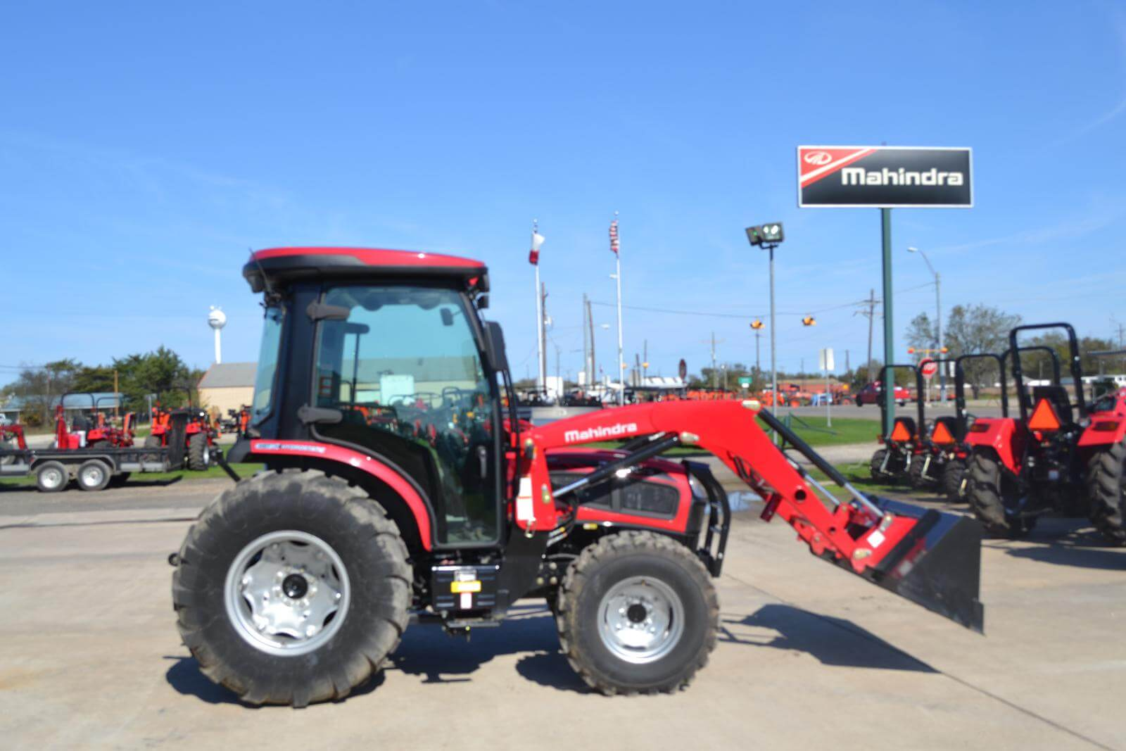 Mahindra 3550 4WD HST Cab tractor