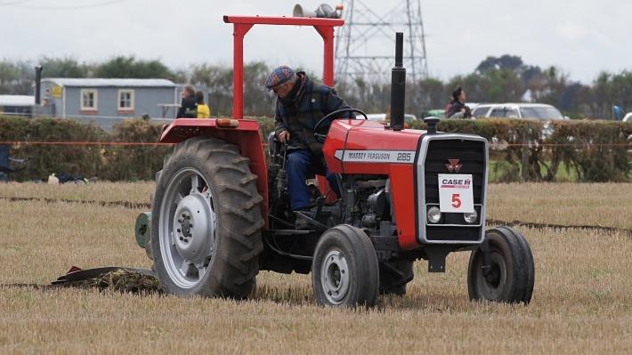 Massey-Ferguson-285-tire size