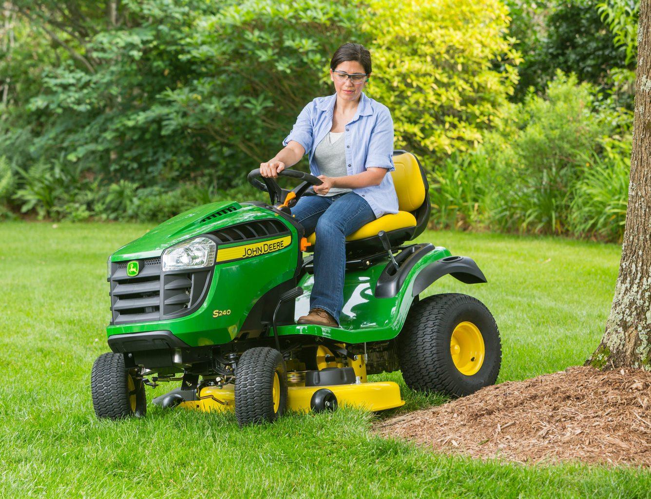 Rather Hustler sport lawnmower specifications