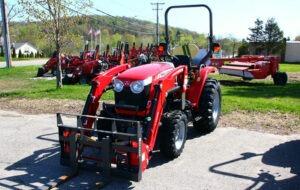 massey-ferguson-1726e-compact-tractor