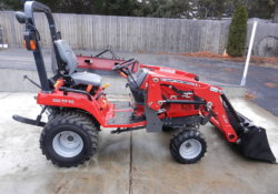 Massey Ferguson GC1715 sub Compact Tractor