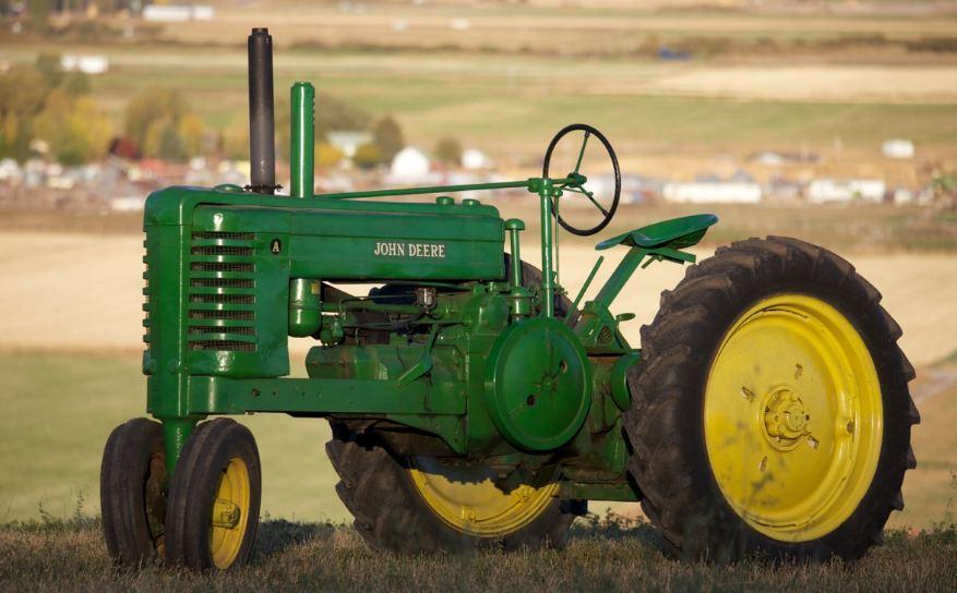 john-deer-model-a-tractor