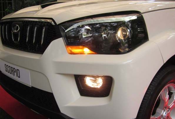 Mahindra Scorpio Rain And Light Sensor