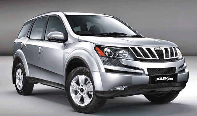 Mahindra XUV500 car W10 AT