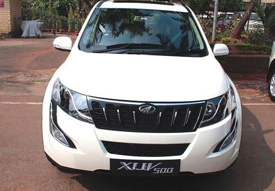 Mahindra XUV500 car W6AT