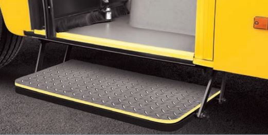 Bharat benz school bus Retractable lowerd first step
