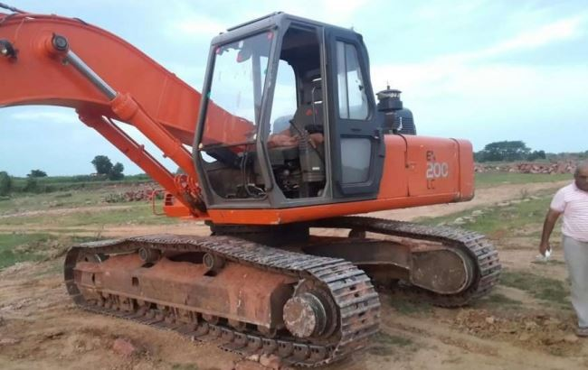 TATA Hitachi EX 200 LC Super Series Machinery price