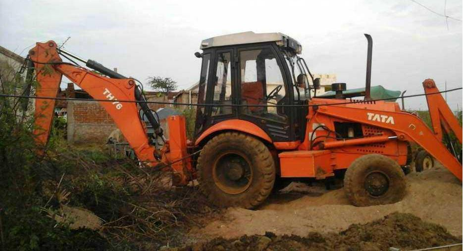 TATA Hitachi TH 76 Backhoe Loader 7