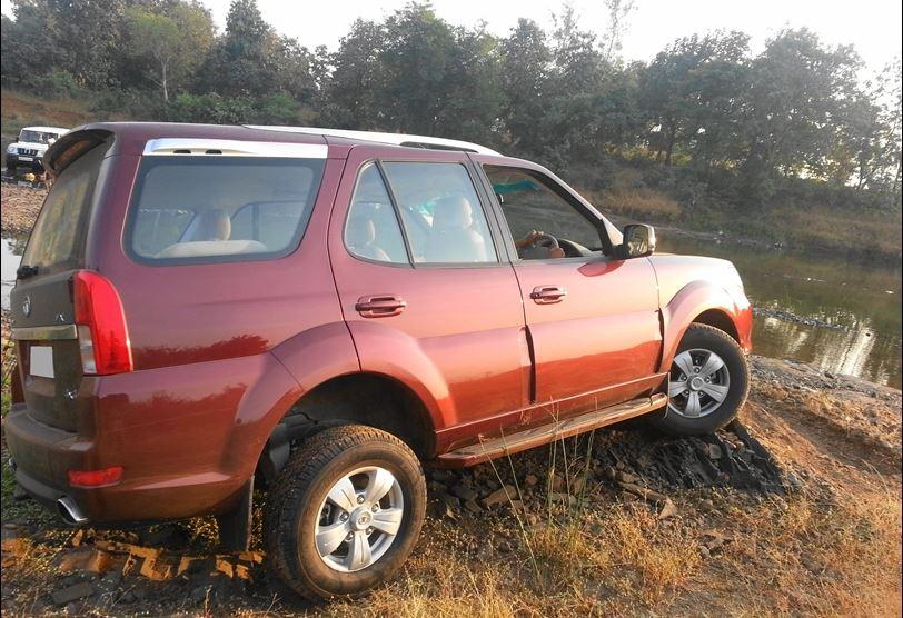 TATA Safari Strome VX 4 X 4 Car