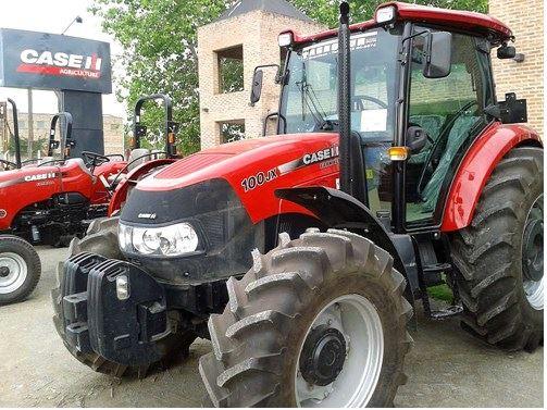 CASE FARMALL 100 JX Tractor