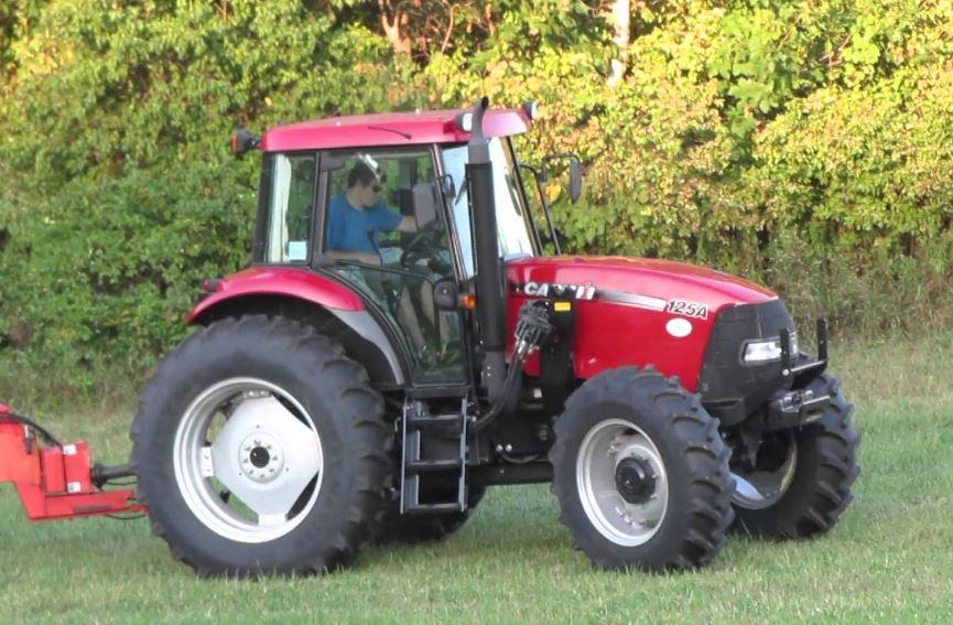 CASE IH FARMALL 125 A Tractor