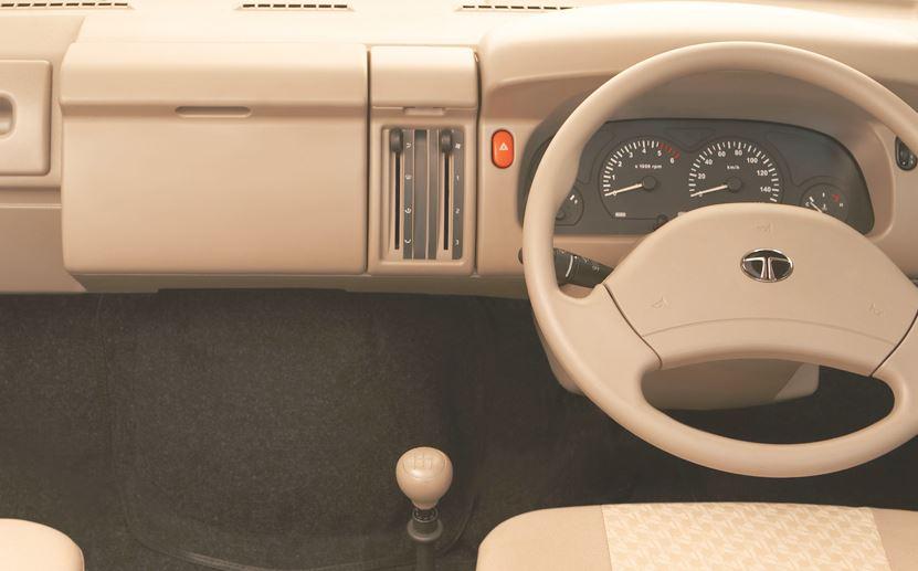 TATA Winger Luxury Maxi Van steering