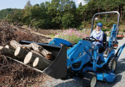 LS MT122 Sub-Compact Tractor
