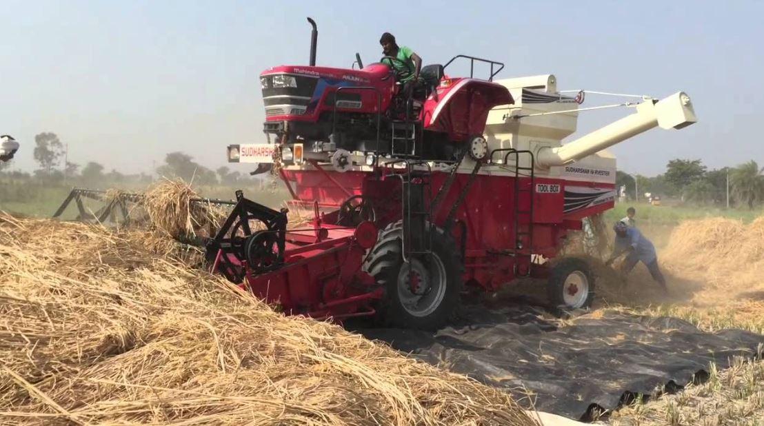 Mahindra Mounted Combine Harvester Arjun 605 Price