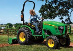 John Deere 2032R Compact Utility Tractor