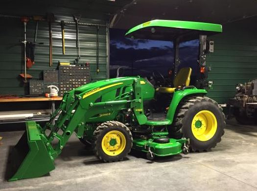 John Deere 3046R Compact Utility Tractor
