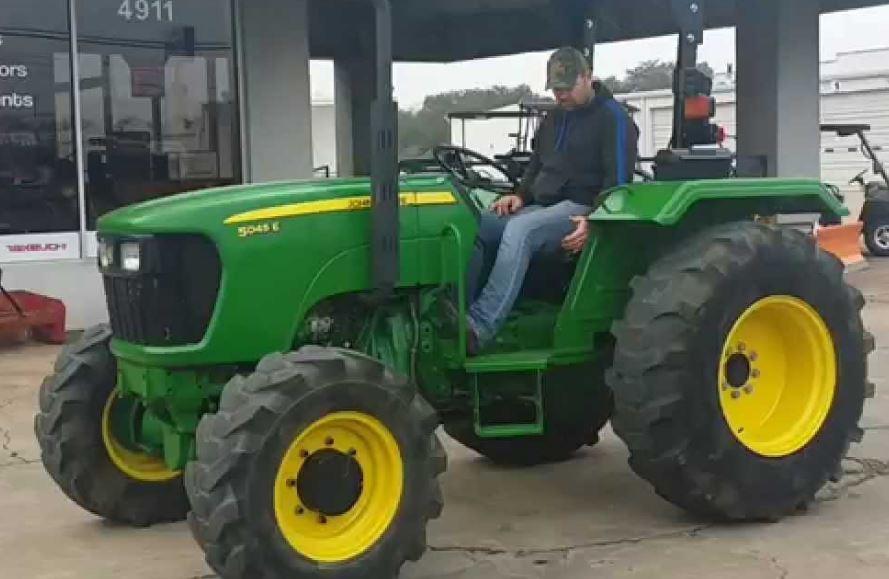John Deere 5045E Utility Tractor
