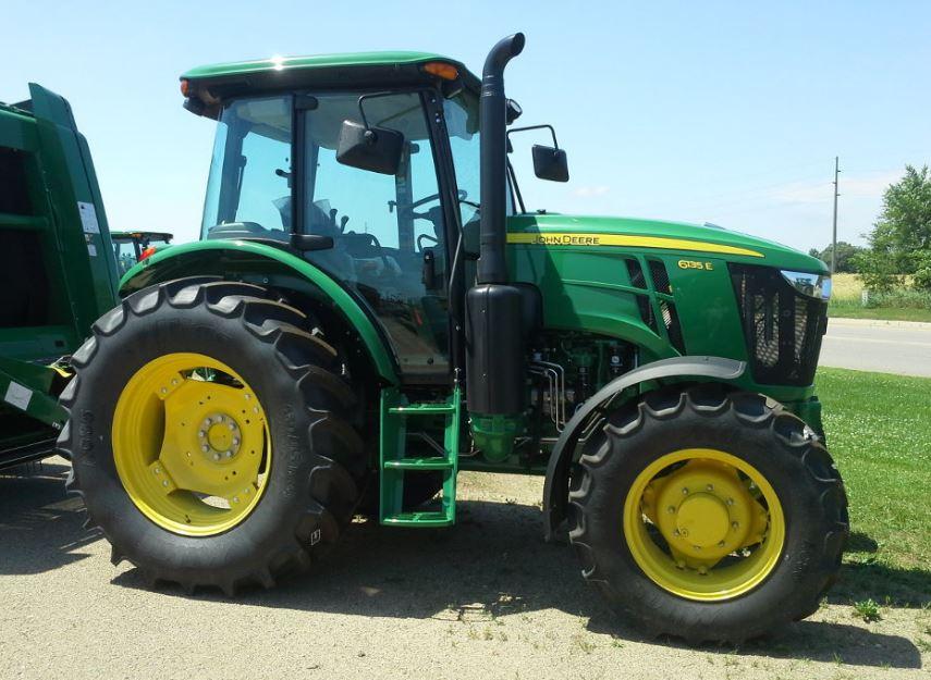 John Deere 6135E Utility Tractor