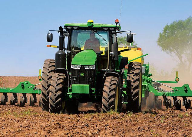 John Deere 7230R Row Crop Tractors