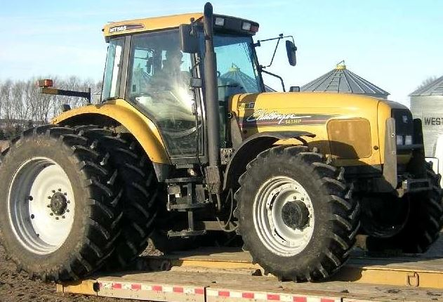 Challenger MT565E Tractor