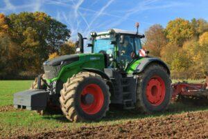 Fendt 1046 Vario Tractor