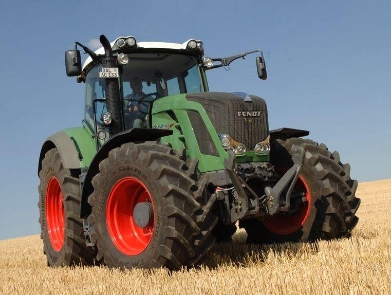 Fendt 826 Vario Tractor