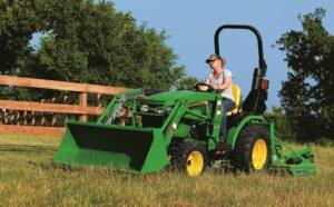 John Deere 2025R Compact Utility Tractor 1