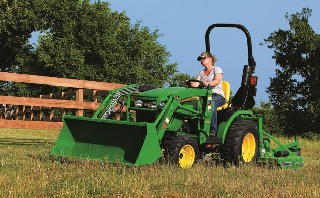 john deere 2 family 2025r and 2032r compact utility tractors info. Black Bedroom Furniture Sets. Home Design Ideas
