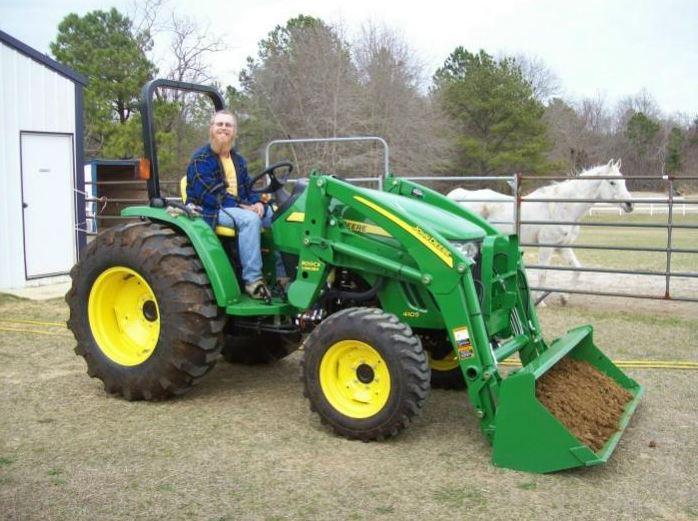 John Deere 4105 Compact Utility Tractor specs