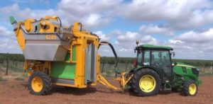 John Deere 5090GN Speciality Tractor