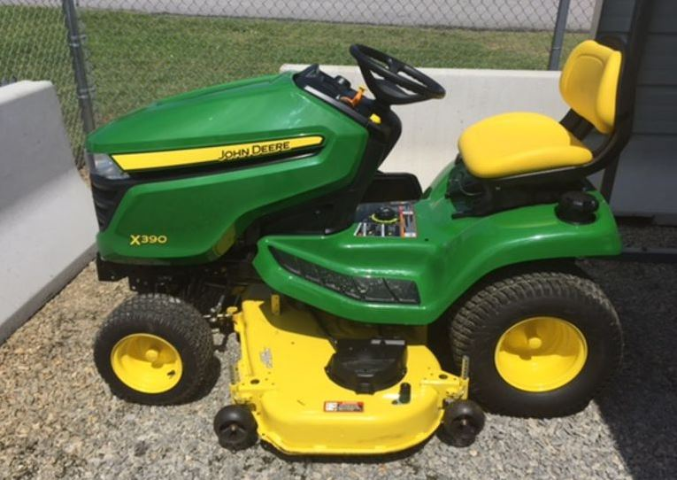 John Deere X390 with 48-in. Deck Lawn Tractor